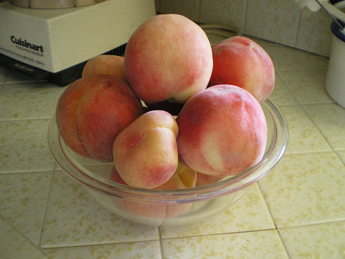 Three kinds of peaches