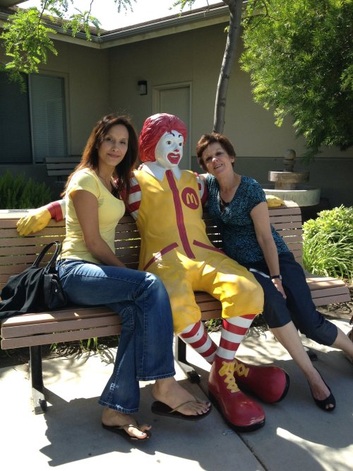 Corinna & Gladys chat with Ronald.